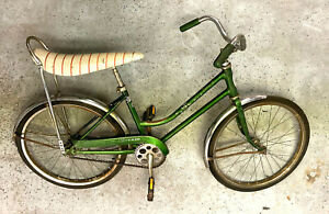 Schwinn 'Breeze' step thru bike Banana seat and chrome fenders