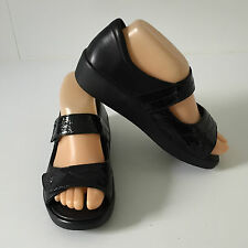 'ZIERA' BNWOT SIZE '5W' (36) BLACK LEATHER OPEN TOE SANDAL WITH CROSS STRAPS