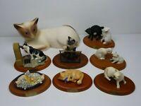 Lot 8 chats en résine base bois 17 cm gros 15 cm siamois, fontaine