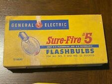 Vintage GE 5B flashbulbs vintage box of 12 Bulbs - complete