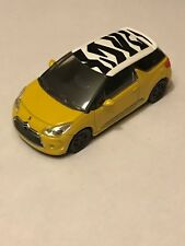 CITROEN  - DS3 2010 JAUNE / NOIR ZEBRE   COLLECTION 3 INCHES  - SERIE: 2014 1/64