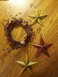 """3 Metal Stars-4"""" And Small Wreath With Berries and Metal Stars-8"""" EUC Decor."""