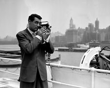 CARY GRANT UNSIGNED PHOTO - 8074 - HANDSOME!!!!!