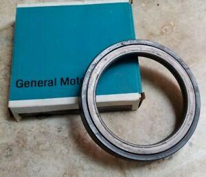 NOS GM 15679880 Rear Wheel Seal ASM.  GR.5.822 KODIAC C60 C70 GMC Topkick