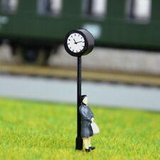 S587 - H0 Bahnhofsuhr mit LED Beleuchtung Höhe 4cm Uhr für Bahnhof