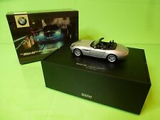 MINICHAMPS BMW Z8 - WORLD IS NOT ENOUGH 007 JAMES BOND - SILVER 1:43 - NMIB