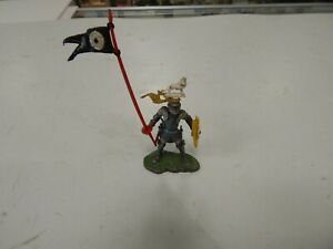 Britains plastic swoppet foot Knight - complete