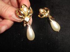 Vintage Élégant clip on earrings gold tone Dangle Faux Pearl + Sparkle Centre