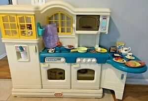 LITTLE TIKES VICTORIAN COUNTRY KITCHEN TABLE PLAY FOOD LOT TYKES **PICK UP @ NJ*