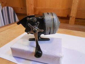 SHAKESPEARE spinning fishing reel Vintage collectable Model ED 1767 works good