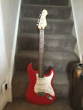 CRUISER CRAFTER Stratocaster In Red.