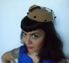 Mini chapeau bibi rétro vintage beige voilette coquetterie plumetis fleur pinup