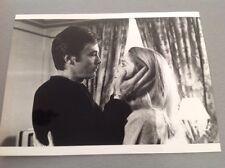 """ALAIN DELON et CATHERINE DENEUVE dans """" LE CHOC """" - Photo Presse 13x18cm"""