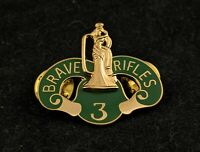☀️US Army 3rd Cavalry Regimen Brave Rifles Crest DUI Hat Lapel Pin, Fort Hood
