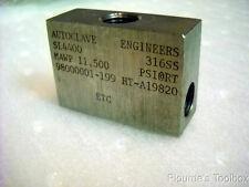 Used Autoclave Engineers SL-4400 316 Stainless Steel Low Pressure Elbow Fitting