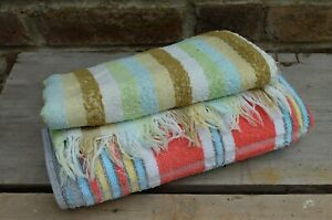 VINTAGE PAIR OF MISMATCHED OLD STYLE BATHROOM TOWELS - STRIPED