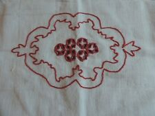 LOT DE 4 SERVIETTES DAMASEES ROUGE ET BLANC  BRODERIES