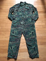 VINTAGE US ARMY COVERALLS CAMOUFLAGE RIPSTOP JUMPSUIT PANTS MEN size XL 1960's