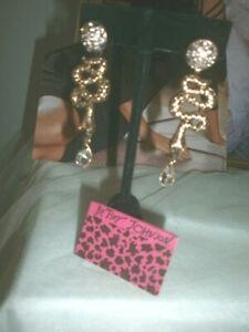 Betsey Johnson Convertible Shake Pierced Earrings - New in Box!