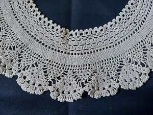 Beautiful Vintage Art Deco Handmade Crocheted Lace Collar 100% Cotton Beige