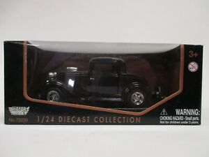 MOTORMAX 1:24 NEW MIB DIE-CAST VEHICLE COLLECTION 1932 FORD 2 DOOR COUPE #73200