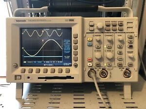 Tektronix TDS 3052 500MHz Oscilloscope 2 Channel with case software & tested