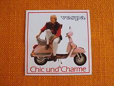 VESPA chic und charme Aufkleber sticker pegatina decal autocollant Moto Piaggio