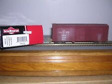 INTER.#48501-05  Milwaukee Road 40' Horiz.Ribbed Box Car #23623 Weathered  H.O.