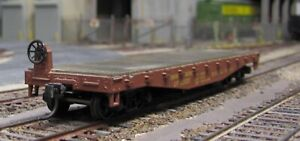 HO Union Pacific, UP, 40' flat car , weathered deck, KD's  Athearn RTR #50589