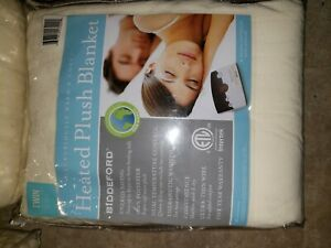 Biddeford heated micro plush blanket Natural Color. Tween Size. New with Tags