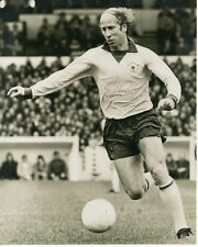 BOBBY CHARLTON - Signed 10x8 Photograph - SPORT - MANCHESTER UNITED