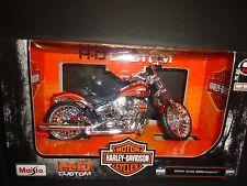 Maisto Harley Davidson CVO Breakout 2014 Orange 1/12