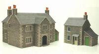 Metcalfe Manor Farm House OO Gauge Card Kit PO250