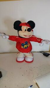 Disney Fisher Price M3 Master Moves Mickey Mouse Hip Hop Break Dancing Toy Works