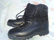 Chaussure d'intervention type agent de sécurité pointure 40 - 41 - 42 - 43 - 44