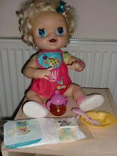 Baby Alive Muñeca Morena Mimos y Cuidados   Bebés vivos