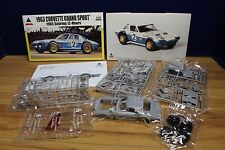 ACCURATE MINIATURES 1/24 1963 CORVETTE GRAND SPORT MODEL KIT 534298