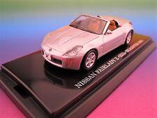 Nissan Fairlady Z Roadster in silber  Kyosho  Maßstab 1:64  OVP