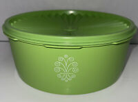 TUPPERWARE Vintage Retro Apple Green Canister 1204 with Servaler Lid Seal