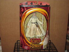 2002 LORD RINGS TWO TOWERS GANDALF THE WHITE STAFF-EXTENDING ACTION FIGURE MIP