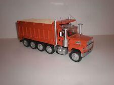 1/43 American dump truck Ford LTL 9000 / 1980