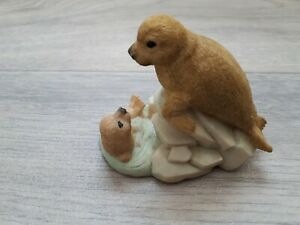 Seals on Rock Ornament, Brown, 8cm