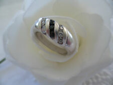 ANTIQUE VINTAGE STERLING SILVER RING with BLUE and WHITE SAPPHIRE GEMS SIZE N