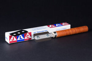 Modelling razor saw - best cutting tool by JLC