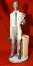 Lladro General Practitioner (Doctor De Color) B05947 Upc 737859059 Sku 01005947