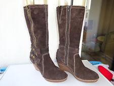 CLARKS Soft Wear Damen Schuhe Keilabsatz Stiefel Wildleder Braun Gr.41(7) f.Neuw