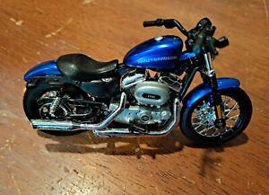 MAISTO 2012 Harley Davidson 1200  NIGHTSTER  1/18 MOTORCYCLE