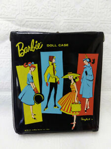 VINTAGE 1961 BARBIE DOLL BLACK CASE IN VERY GOOD CONDITION