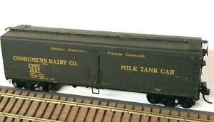 HO Scale InterMountain Consumers Dairy Co Express Refrigerator Milk Tank Car