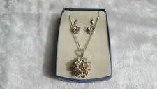 Parure boucles d'oreilles + pendentif en argent massif filigrané décor de fleurs